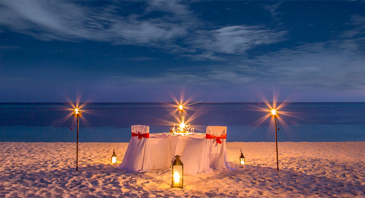 Have-a-candlelight-dinner-on-the-beach